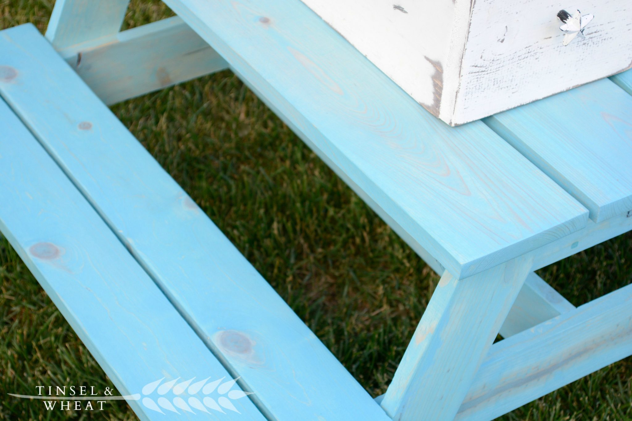 Close Up of Varathane Vintage Aqua on Kids Picnic Table by Tinsel & Wheat