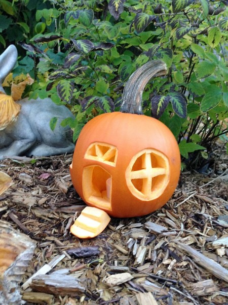 16 Smashing Pumpkin Carving Ideas